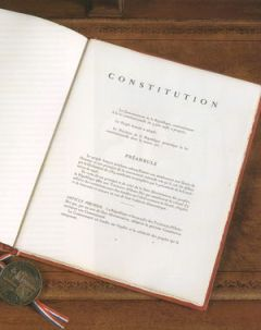 La constitution (crédits photo : Conseil constitutionnel